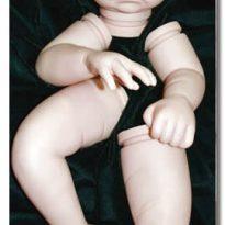 Cómo desnudar y preparar una muñeca para el renacimiento